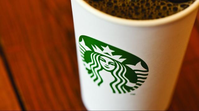 Starbucks ziet zowel winst als omzet groeien