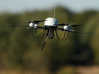 Vier bedrijven gaan anti-dronetechnieken ontwikkelen