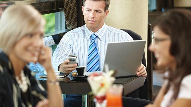 Meerderheid Nederlanders wil 'mobiele etiquette'