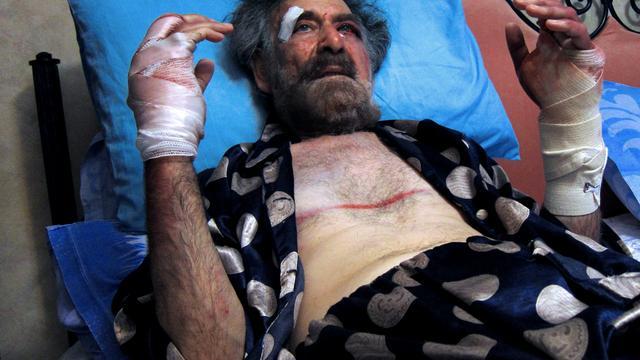 Beroemde Syrische cartoonist in elkaar geslagen