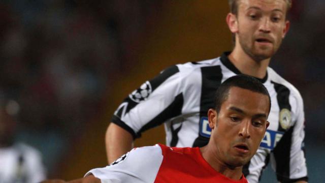 Arsenal voorkomt stunt Udinese