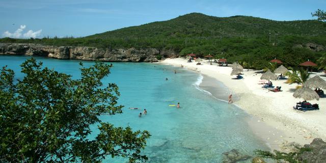 Aantal Nederlandse toeristen Aruba en Curaçao bijna op niveau van voor corona