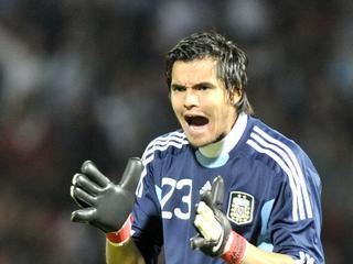 Het onbetaald verlof van de nationale doelman van Argentinië werpt zijn vruchten af. Hij tekent een meerjarig contract bij de Serie B-club.