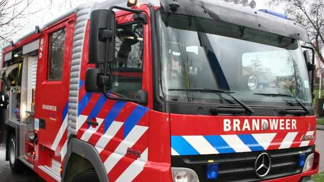 Brand bij autobedrijf Deventer
