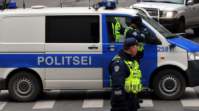 Drie doden nadat auto door ijs zakt in Estland