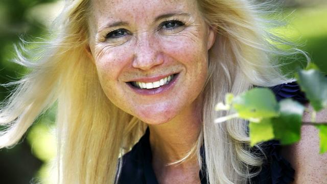 Wintersportvakantie Sonja Bakker ten einde door 'lelijke val'
