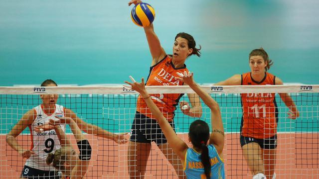 Volleybalsters beginnen met winst op Kazachstan aan WK