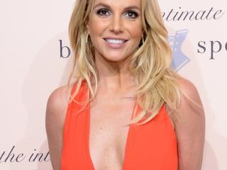 Spears stuurde het bericht met model Sam Asghari