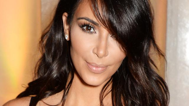Kim Kardashian belaagd op Fashion Week in Parijs