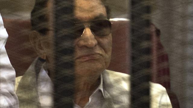 Oud-president Egypte Mubarak en zoons krijgen drie jaar cel voor corruptie
