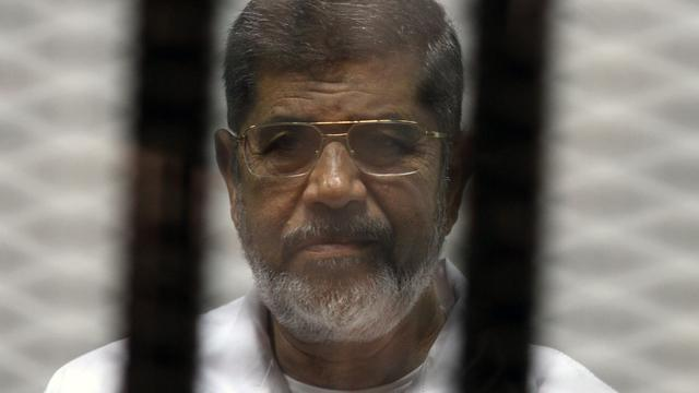 Oud-president Mursi door rechter Egypte ter dood veroordeeld