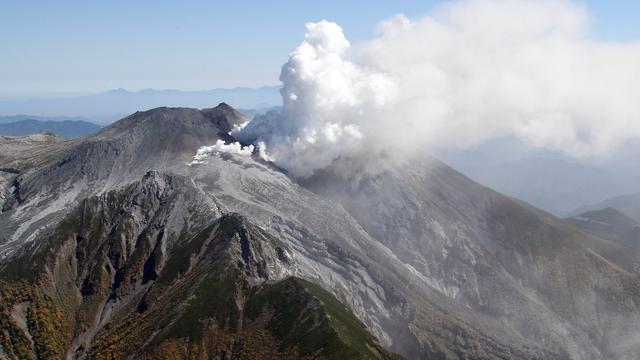 Dodental vulkaanuitbarsting Japan stijgt