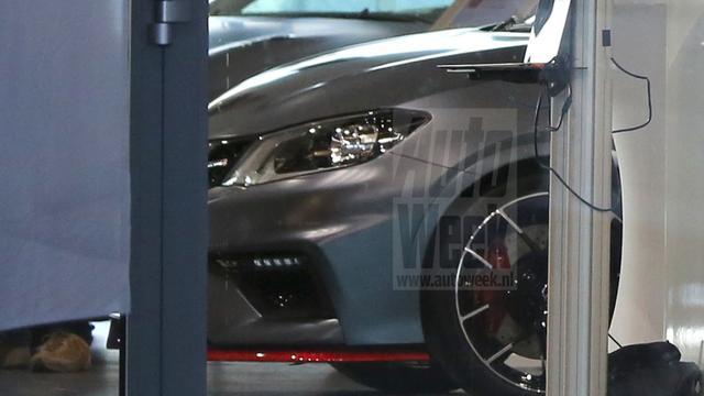 Detailfoto van Nissan Pulsar Nismo duikt op