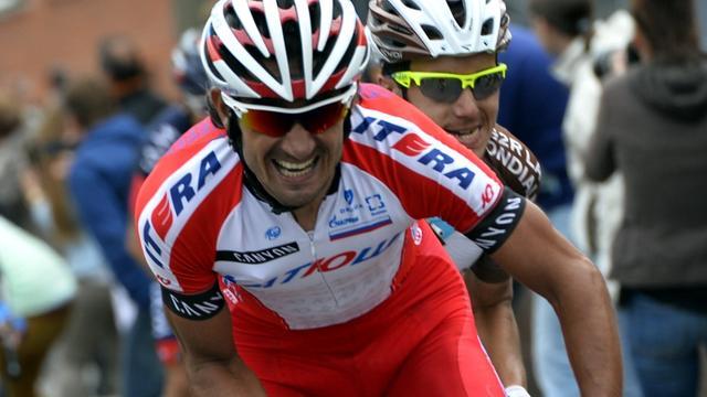 Giampaolo Caruso troeft Aru en Contador af in Milaan-Turijn