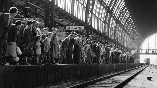 125 jaar Amsterdam Centraal: Van 300 naar 300.000 reizigers
