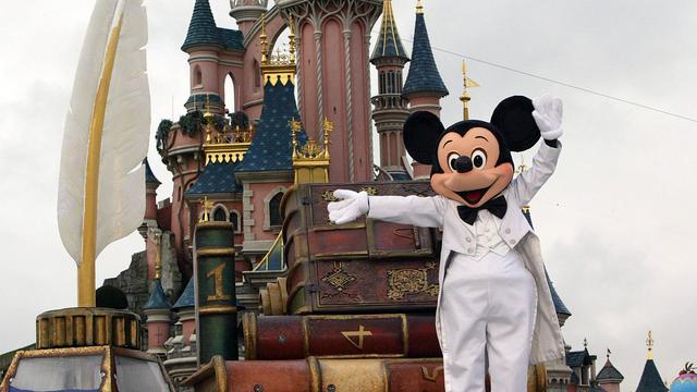 Gratis eten en vermaak voor hotelgasten gesloten Disneyland Parijs