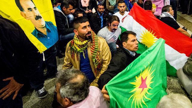 Betoging in Den Haag tegen Turkse aanvallen op Koerden