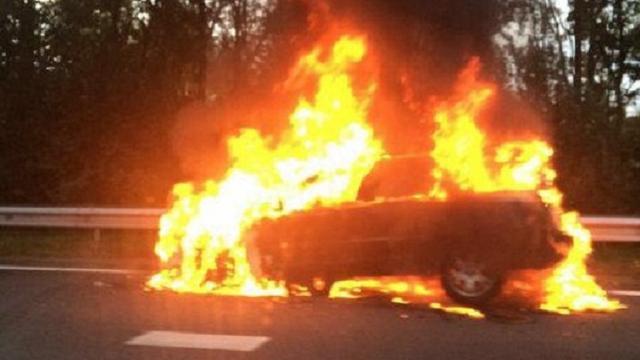 Bewoners Roermond om hulp gevraagd bij aanpak autobranden