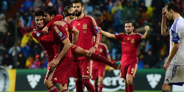 Spanje wint ruim zonder Casillas, eerste goal Diego Costa