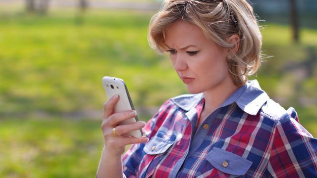 'Personen die vaak op telefoon kijken hebben eerder kans op depressie'