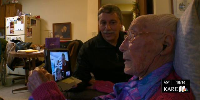 113-jarige vrouw moet liegen over leeftijd om op Facebook te komen
