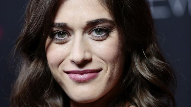 Actrice Lizzy Caplan getrouwd