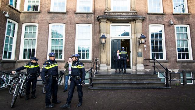 Voor intocht Amsterdam uitspraak RvS over Zwarte Piet