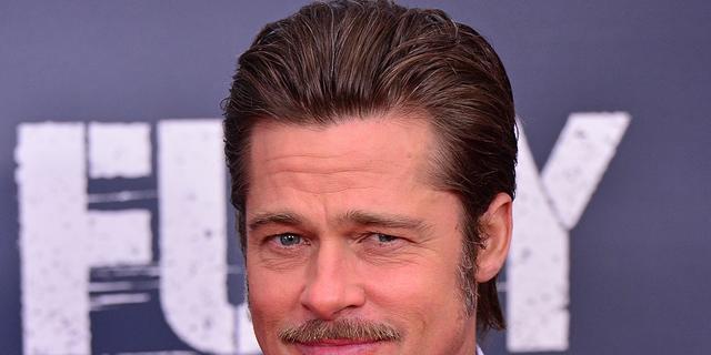 Brad Pitt bedankt fans op rode loper voor steun