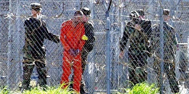 VS zet weer gevangenen Guantánamo Bay uit