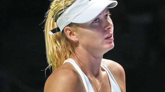 Sjarapova opnieuw onderuit bij WTA Finals, Wozniacki wint weer