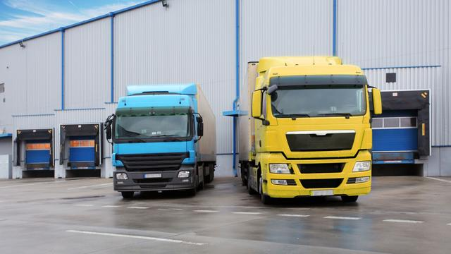'Omzet transport en logistiek blijft onder druk staan'