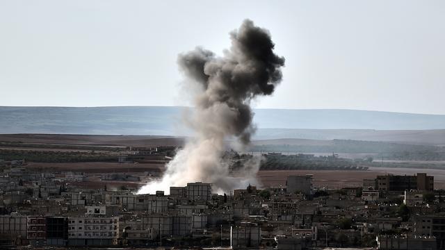 'Tot nu toe 910 doden door bombardementen tegen IS in Syrië'