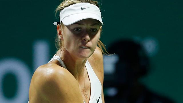 Sjarapova ondanks zege uitgeschakeld bij WTA Finals