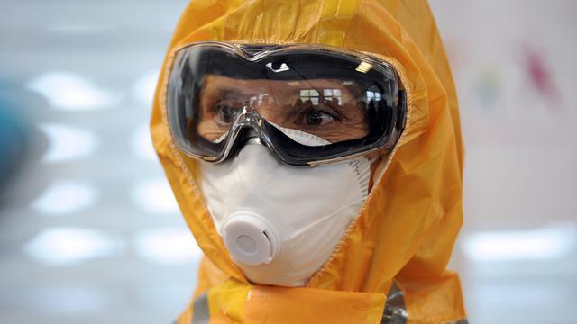 Tekort beschermende kleding VS door ebola