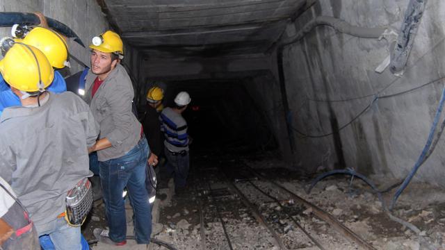 Reddingsactie Turkse mijnwerkers in volle gang