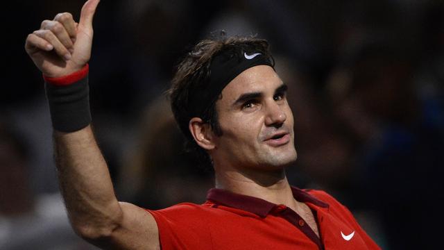 Federer bereikt kwartfinales op Masters in Parijs