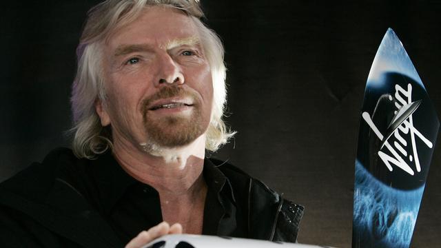 Richard Branson gaat nieuw ruimteschip testen