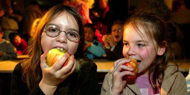 Ministerie EZ 'zeer verrast' door terugtrekken leveranciers van schoolfruit