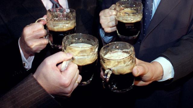 Ierse lerares niet aangenomen om drankgebruik landgenoten