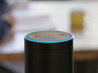 Amazon werkt aan oplossing voor lachprobleem Alexa