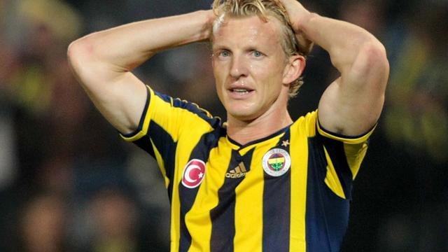 Kuijt loopt averij op in strijd om titel met Fenerbahçe