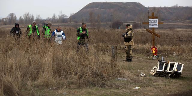 Onderzoeksteam bergt opnieuw stoffelijke resten op rampplek MH17