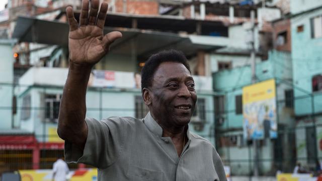 Pelé geopereerd aan nierstenen