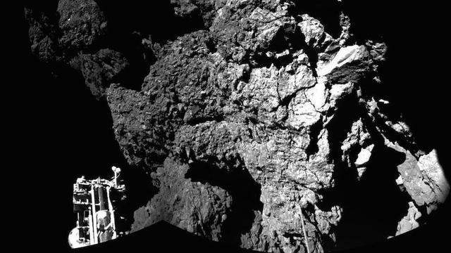 Verkenner staat stabiel op komeet na historische landing
