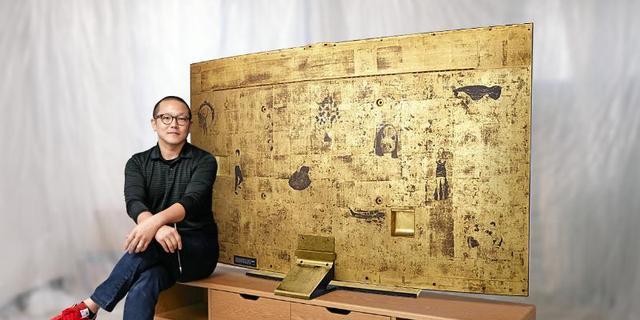 Samsung maakt met gouden lak beschilderde ultra hd-tv
