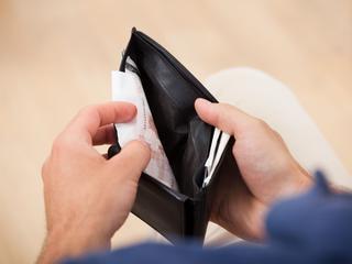 Hoeveel mensen doneren, hangt deels af van inkomen en inspraak ontvanger