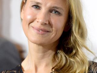 Actrice is teleurgesteld in speculaties over chirurgie