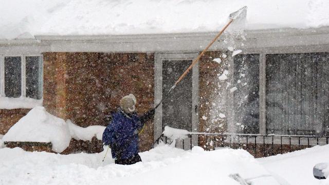 Sneeuw blijft Buffalo teisteren