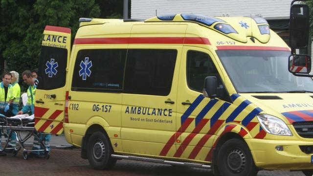 Man en kind gewond bij aanrijding