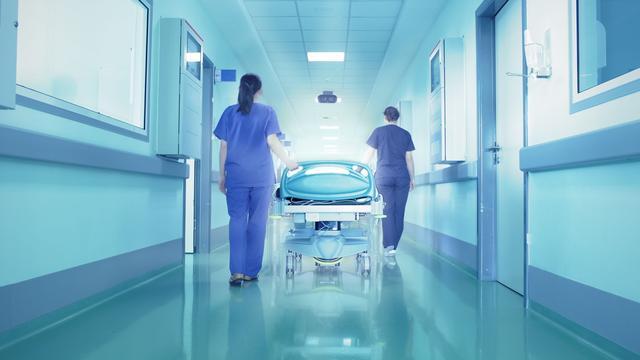 Nederlanders liggen relatief kort in ziekenhuis